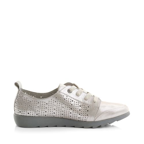 52222 Flat Pin Punched Lace-Up Sneaker